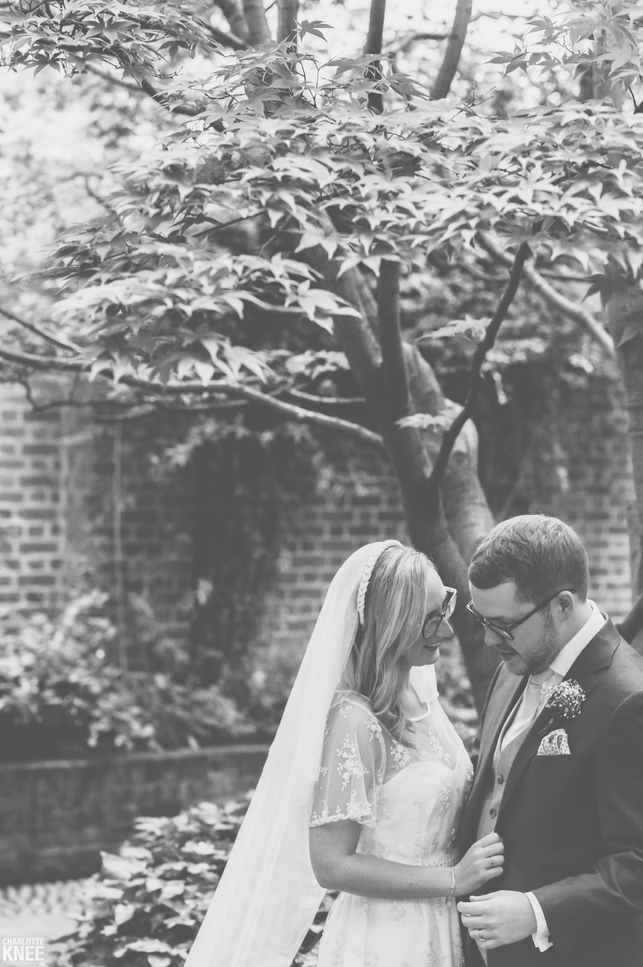 Saddlers Hall London Wedding Photography Copyright Charlotte Knee Photography_0100.jpg