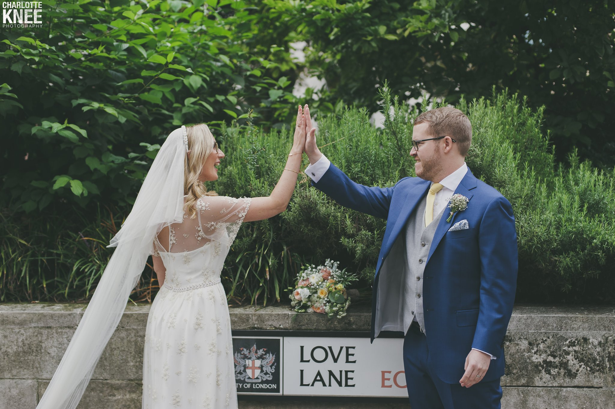 Saddlers Hall London Wedding Photography Copyright Charlotte Knee Photography_0115.jpg
