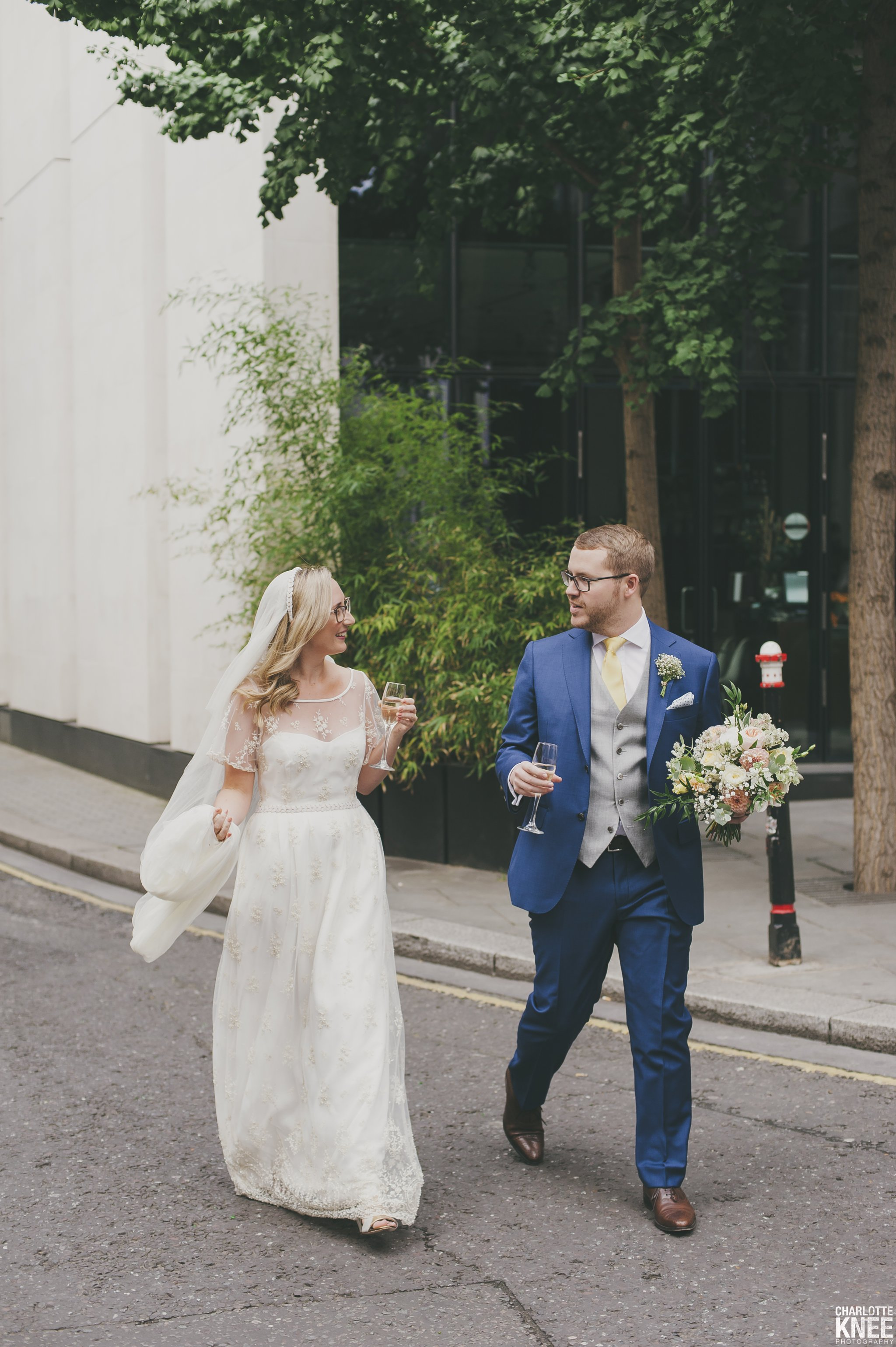 Saddlers Hall London Wedding Photography Copyright Charlotte Knee Photography_0119.jpg